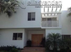 Casa en Venta, Fracc. las Huertas en Santiago PRO1349