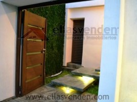 Casa en Venta, Las Villas en Guadalupe PRO2399