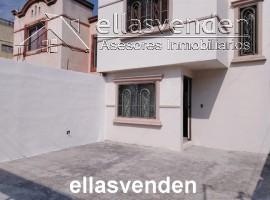 PRO4722 Casas en Venta, Hacienda la Silla en Guadalupe